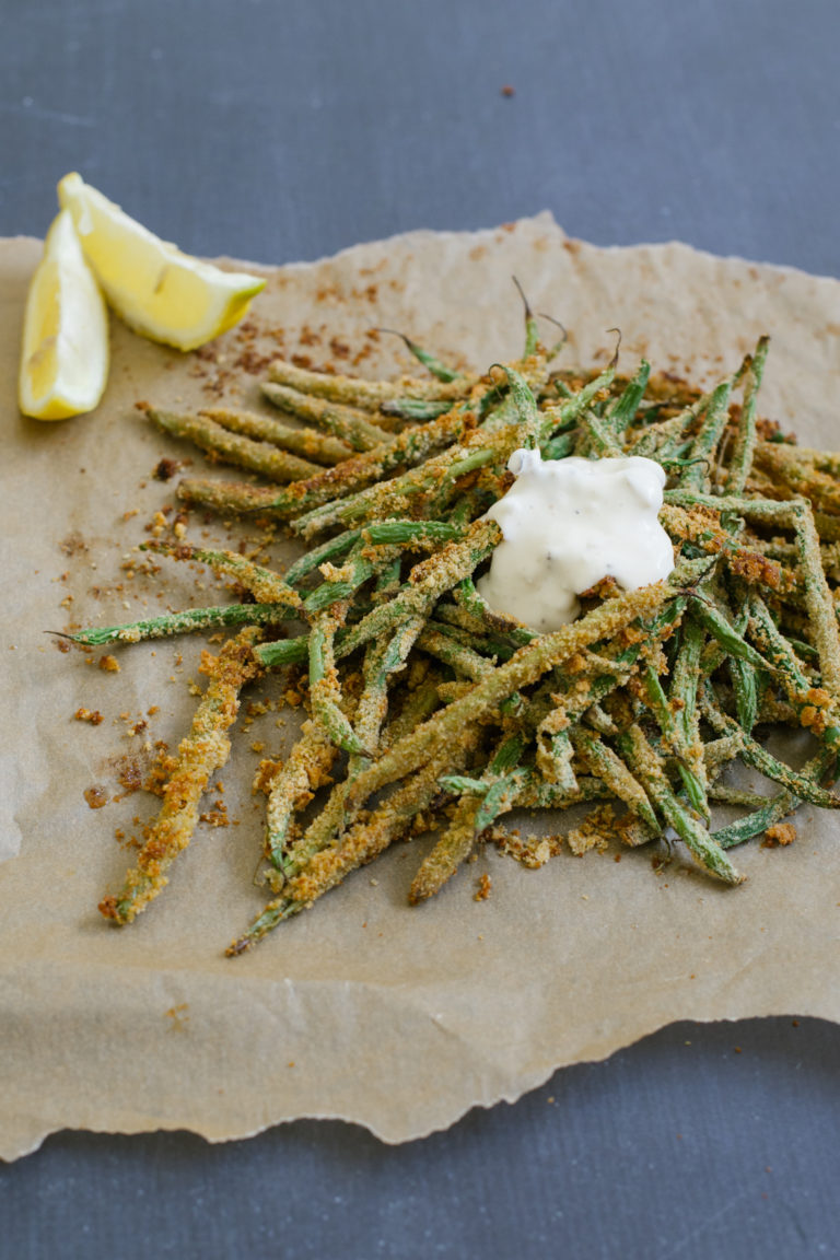 oven baked green bean fries with garlic aioli