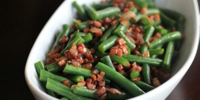 green beans with pancetta and caramelized onions