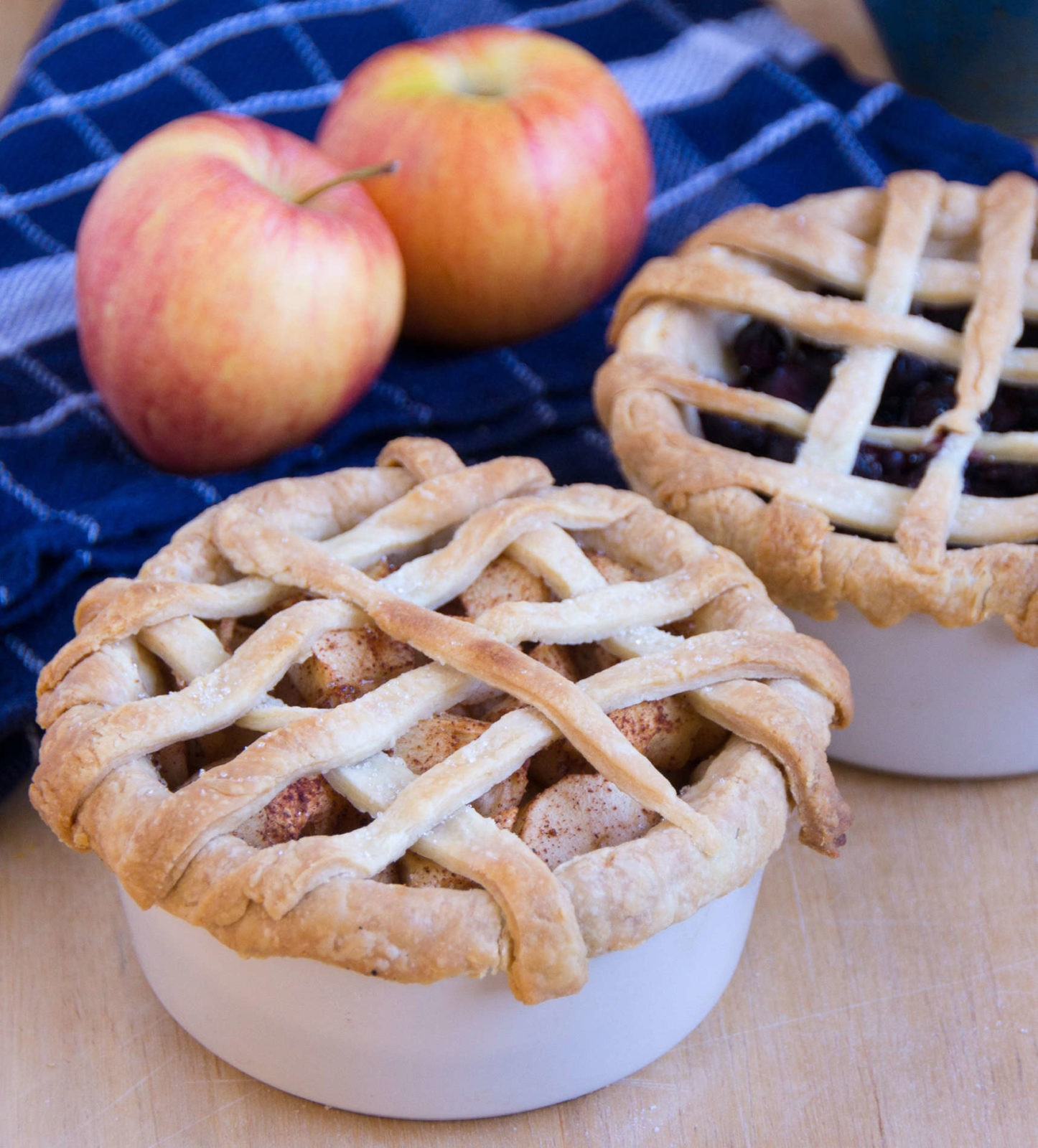 Individual lattice top pies