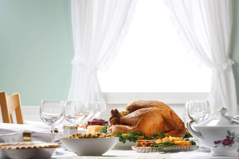Perfect turkey dinner with all the trimmings | Thanksgiving.com