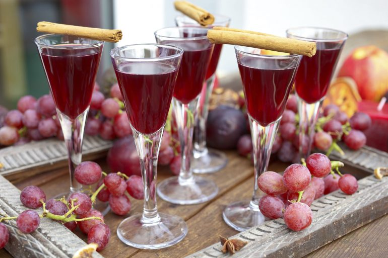 Red Grape Juice Cocktail | MakeItGrateful.com