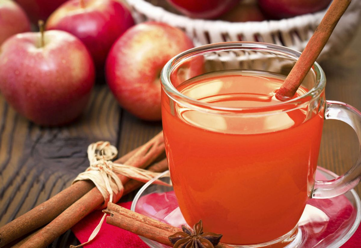 Hot raspberry cider