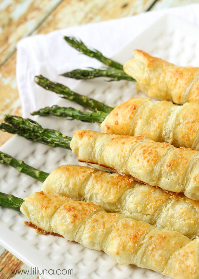 Asparagus wrapped in puff pastry sheets and stuffed with cream cheese.