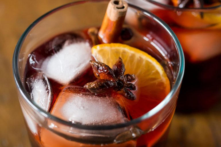 Mulled wine sangria recipe for Thanksgiving from MakeItGrateful.com
