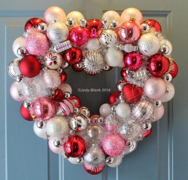 Valentine's Day ornament wreath