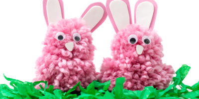 Quick & easy Easter craft: Adorable yarn bunnies