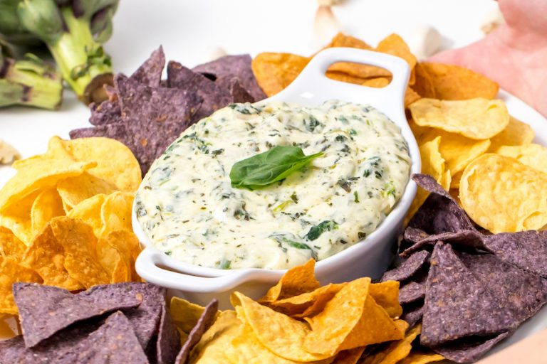 5D4B0627a-Instant-Pot-Copycat-Applebees-Artichoke-and-Spinach-Dip