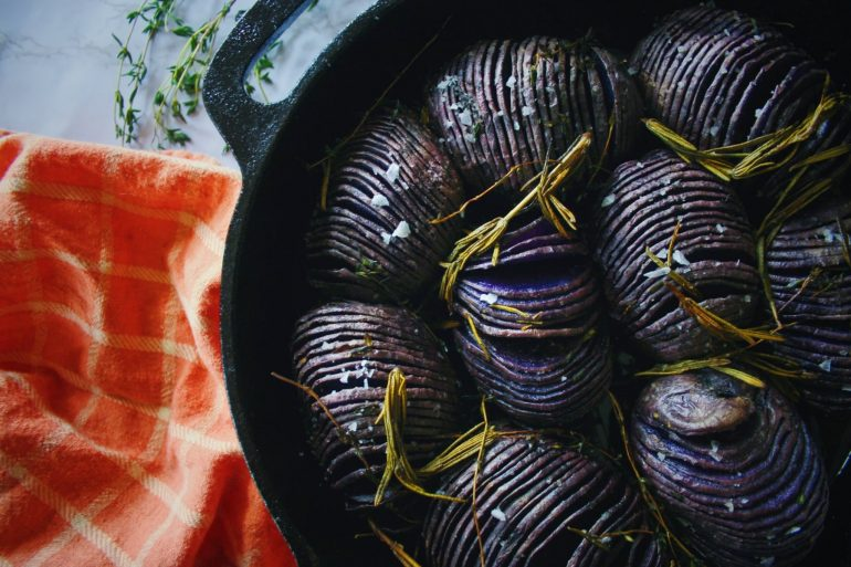 blue hasselback potatoes fi